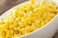 Macaroni och ost i en bunke Royaltyfri Foto