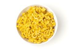 Macaroni och ost i en bunke Arkivbild