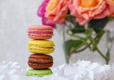 Macaroni, zoete en kleurrijke Franse snoepjes royalty-vrije stock foto's