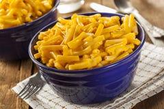 Macaronis au fromage faits maison photo libre de droits