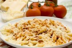 Macaronis avec la tomate Photographie stock libre de droits