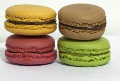 Macarons是五颜六色和糖果点心 免版税图库摄影