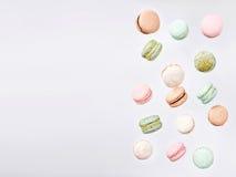 Macarons, bolinho de amêndoa doce de queda da mosca Imagem de Stock Royalty Free