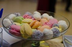 Macarons colorés Image libre de droits