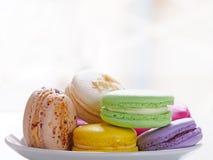 Macarons colorés de plat Images libres de droits