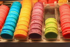 Macarons colorido bonito fotografia de stock royalty free
