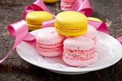 Macarons coloridos franceses imagen de archivo libre de regalías