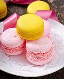 Macarons coloridos franceses imagenes de archivo