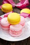 Macarons coloridos franceses imágenes de archivo libres de regalías