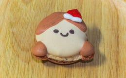 Macarons con le decorazioni adorabili di Natale durante il festival di Natale Immagini Stock Libere da Diritti