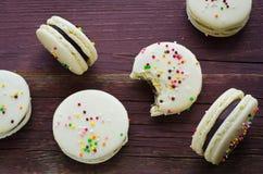 Macarons décorés colorés de Pâques Photographie stock