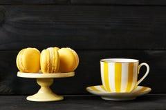 Macarons délicieux français de dessert image stock