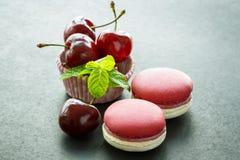 Macarons de cerise Photographie stock libre de droits
