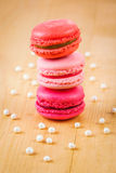 Macarons de fraise, de framboise et de rhubarbe Images libres de droits
