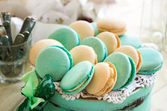 Macarons de turquoise Gâteaux et déserts de mariage images stock