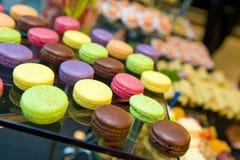 Macarons délicieux et colorés Photographie stock libre de droits