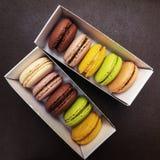 Macarons em umas caixas Fotografia de Stock