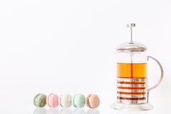 Macarons et thé Photo libre de droits