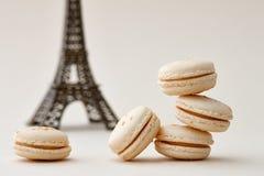 Macarons et Tour Eiffel français Images libres de droits