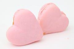 Macarons français en forme de coeur Images libres de droits