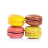 Macarons français sur un fond blanc photo stock
