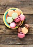 Macarons français traditionnels de désert Photo libre de droits