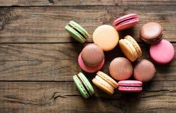 Macarons français traditionnels de désert Image libre de droits