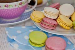 Macarons i gorąca czekolada Fotografia Stock