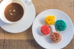 Macarons más coloridos Fotografía de archivo libre de regalías