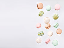 Macarons, macaron doux en baisse de mouche Image libre de droits