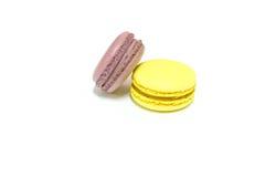 Macarons no fundo branco Imagens de Stock