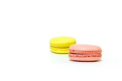 Macarons no fundo branco Fotos de Stock Royalty Free