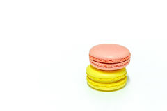 Macarons no fundo branco Imagens de Stock Royalty Free