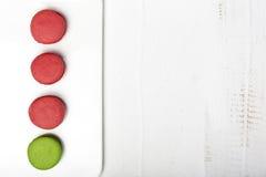 Macarons op witte backgrount Hoogste mening Stock Foto