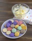 Macarons parisienses tradicionales Imagen de archivo