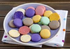 Macarons parisienses tradicionales Imagen de archivo libre de regalías