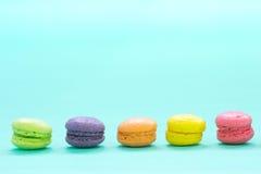 Macarons variopinti fotografie stock