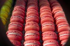 Macaronscake - snoepje - dessert - snoepje - sierlijk gebak - - zoetigheid stock fotografie