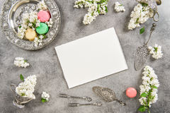 Macaroon cakes and note paper for text or recipe Stock Photo
