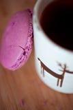 Macaroon with tea Stock Photography
