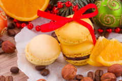 Macaroons with christmas tree and decorations Royalty Free Stock Photos