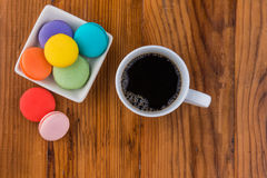 Macaroons and coffee from above Royalty Free Stock Photos