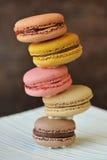 Macaroons coloridos fotos de stock royalty free