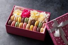 Macaroons coloridos Macarons doces fotos de stock royalty free