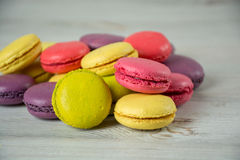 Macaroons franceses coloridos Imagens de Stock