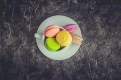 Macaroons i kawa śniadanie Fotografia Royalty Free