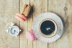 Macaroons i kawa śniadanie Obraz Royalty Free