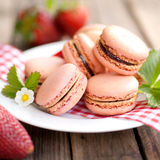 Macaroons with strawberries Royalty Free Stock Photography