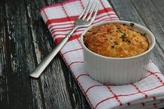 Macarrão e queijo cozidos Imagens de Stock Royalty Free