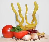 Macarrão e vegetais Imagens de Stock Royalty Free